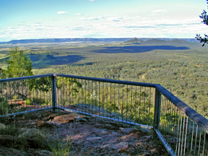 Arcadia Valley lookout, Lonesome section, Expedition National Park. Photos: Robert Ashdown © Queensland Government