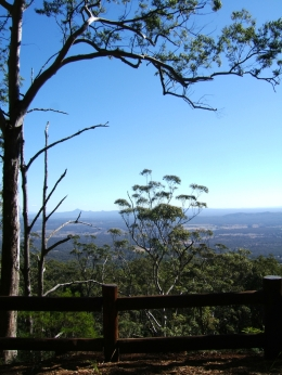 Take in spectacular views from numerous lookouts, such as this one at The Knoll section. Photo: Queensland Government.