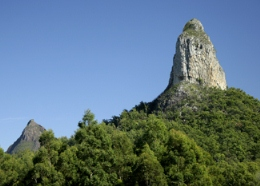 Mount Coonowrin, like other peaks in the Glass House Mountains, is an example of a volcanic plug. Photo: Ross Naumann, QPWS volunteer.