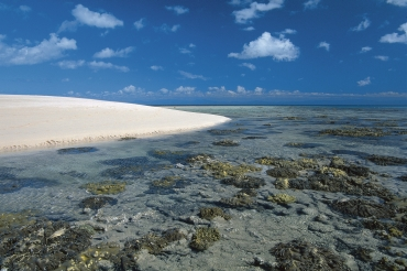 Michaelmas Cay, Queensland. Photo: Peter Lik, courtesy of Tourism and Events Queensland.