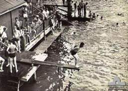 Historical image of HQ 1 Corps troops at Lake Eacham on Christmas Day 1944.