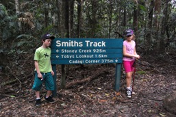 Walking tracks are well sign-posted. Photo: Julie Swartz, Queensland Government