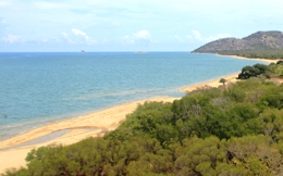 Tidal creek crossings along the beach near Cape Melville. Photo: Janie White, Queensland Government.