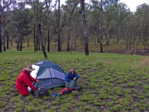 West Branch walkers' camp lies alongside the banks of the Maranoa River.