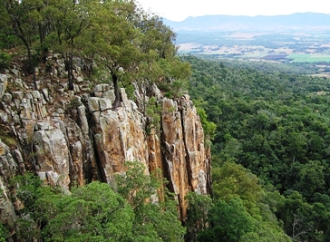 Looking west towards Main Range from Mount French. Photo: Robert Ashdown, Queensland Government.