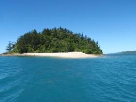 Planton Island. Photo: Jae Milowski, Queensland Government