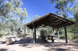 Auburn River day-use area facilities include a covered area with a gas barbecue.